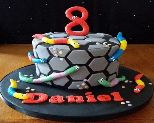 slither.io birthday cake